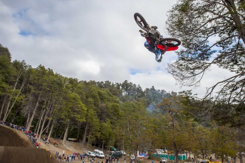 Race two crash curtails Bobryshev's podium fight