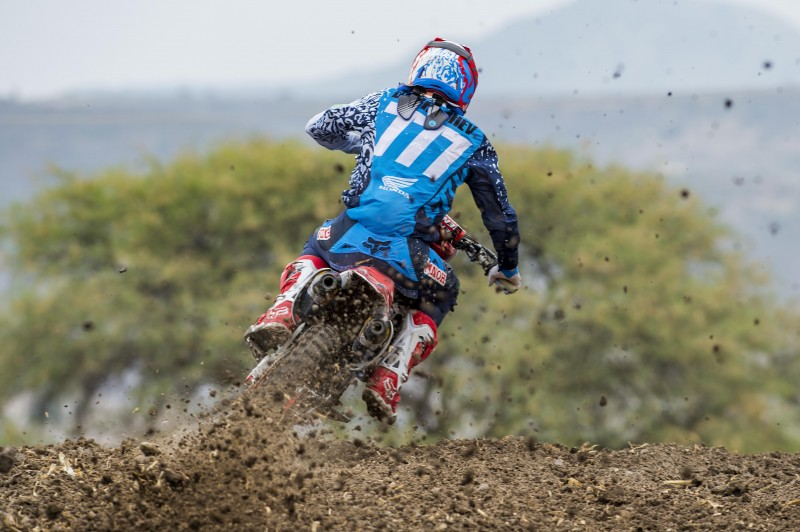 Bobryshev looking strong on opening day in Mexico