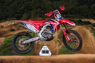 HRC_2017_Bikes_MX2_Right_28_2 (C)