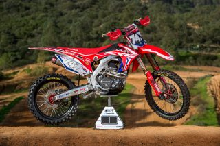 HRC_2017_Bikes_MX2_Right_747_2 (C)