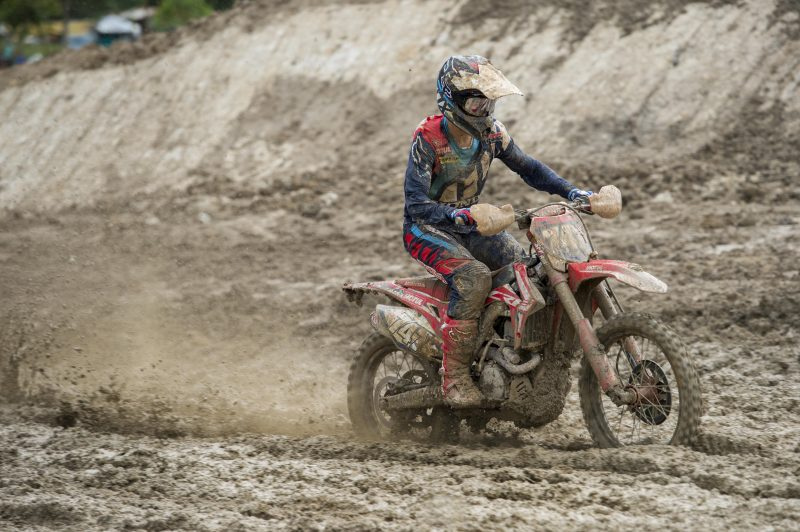 Deep mud creates a new challenge in qualifying for HRC MX2